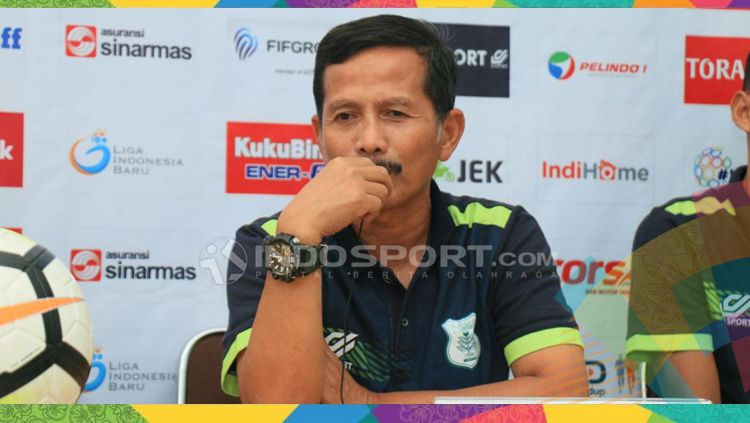 Mantan pelatih Persib Bandung, Djajang Nurdjaman. Copyright: © INDOSPORT
