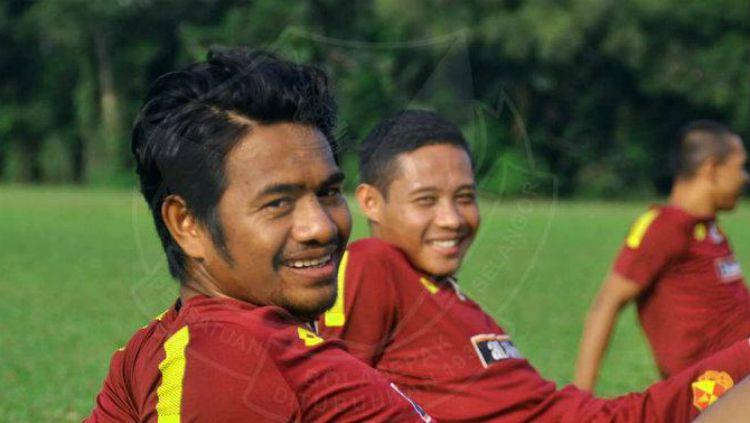 Evan Dimas dan Ilham Udin Armaiyn kembali ke Selangor FC. Copyright: © Selangor FC