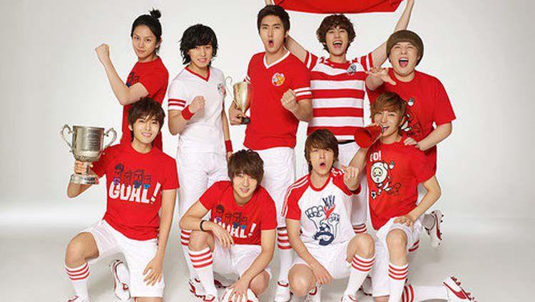 Super Junior menyukai sepak bola Copyright: © Soompi