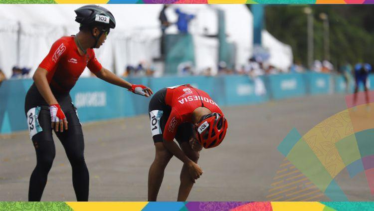 Atlet sepatu roda Indonesia Muhamad Oky andrianto (kanan) tertunduk setelah  gagal pada nomor 20 6517194c2e