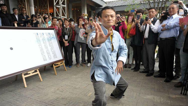 Jack Ma saat beraksi tai chi. Copyright: © CGTN