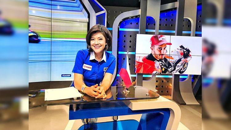 Presenter MotoGP Indonesia, Lucy Wiryono. Copyright: © Instagram/@lucy.wiryono