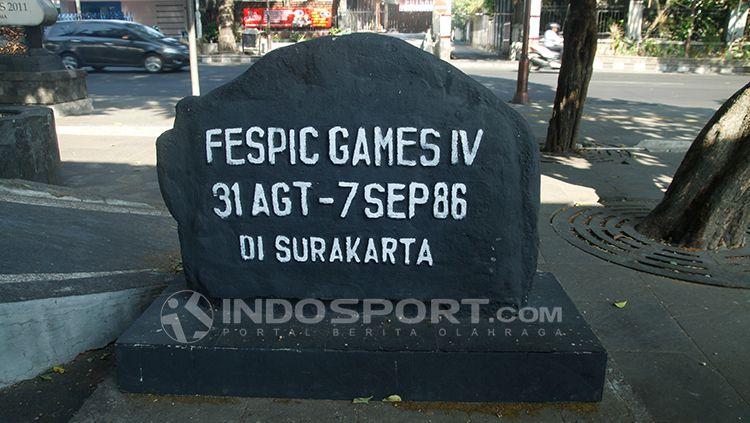 Simbol FESPIC Games di Stadion Sriwedari. Copyright: © Abdurrahman.R/INDOSPORT