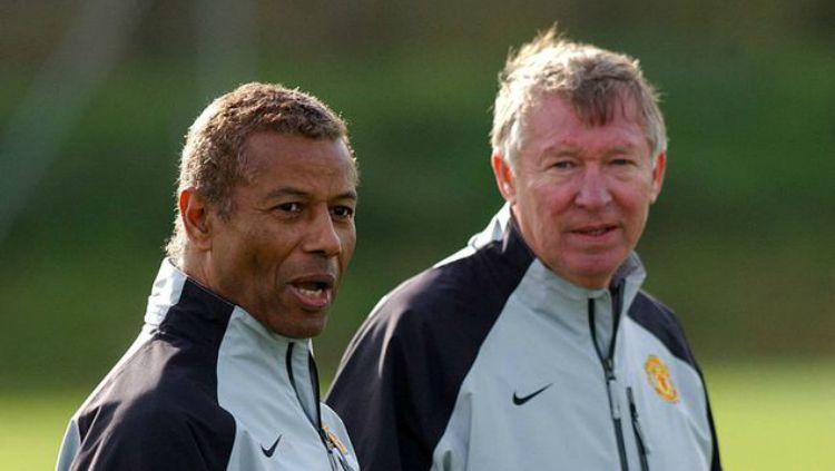 Sir Alex Ferguson dan Francisco Filho saat keduanya melatih Manchester United. Copyright: © Folha