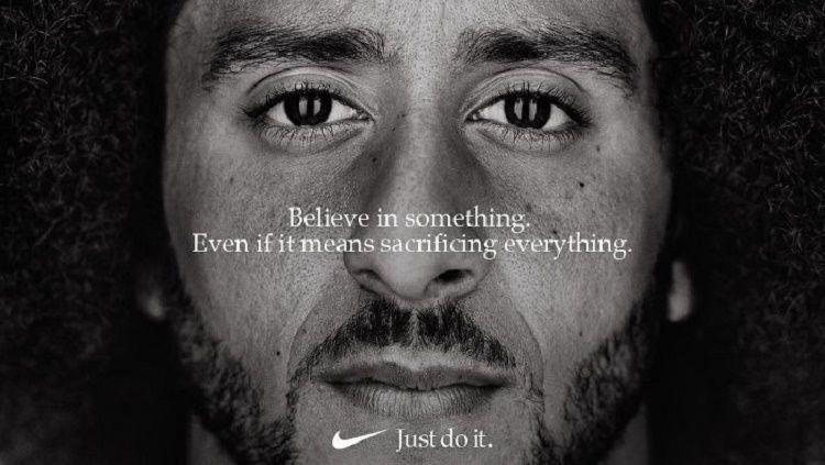 Colin Kaepernick berkolaborasi dengan Nike dalam kampanye 30 tahun Copyright: © Nike