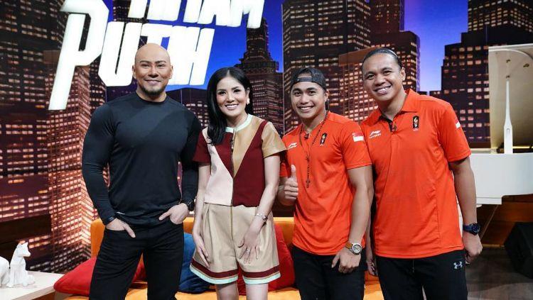 Deddy Corbuzier, Nindy, Aprilia Manganang, dan Amasya Manganang. Copyright: © Instagram/Manganang