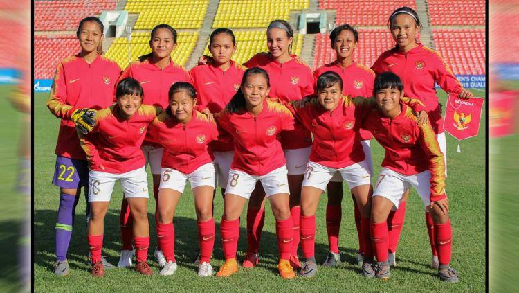 Skuat Timnas Putri U-16 Indonesia di Kualifikasi Piala Asia U-16 2018. Copyright: © Twitter/@_FFKR