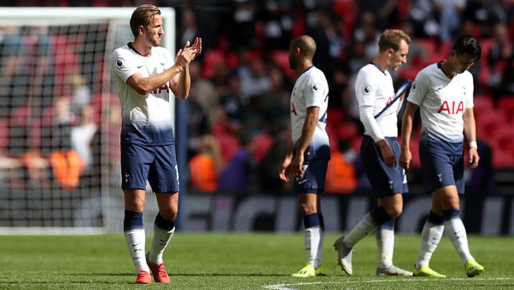 Para pemain Tottenham Hotspur disarankan fokus ke Piala FA dan Piala Liga Inggris. Copyright: © Getty Images