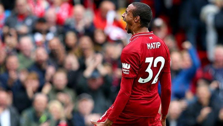 Joel Matip berselebrasi usai mencetak gol ke gawang Southampton. Copyright: © INDOSPORT