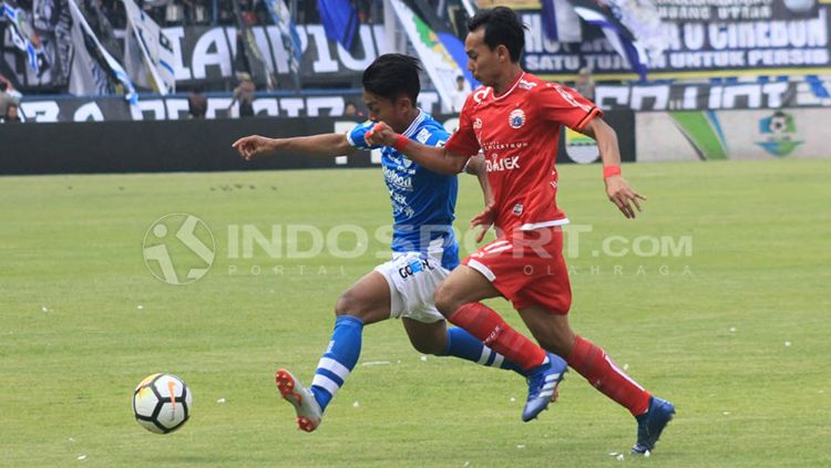 Laga Persib Bandung vs Persija Jakarta. Copyright: © Arif Rahman/INDOSPORT