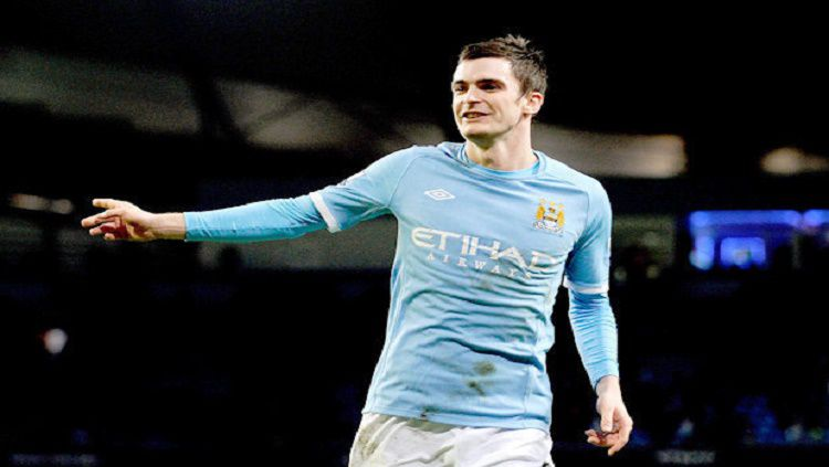 Adam Johnson ketika masih membela Manchester City. Copyright: © Daily Star