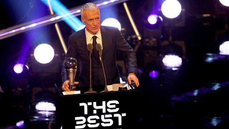 Didier Deschamps dinobatkan sebagai pelatih terbaik dunia 2018. Copyright: © Getty Images