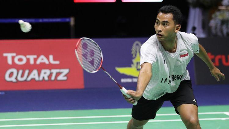 Tommy Sugiarto berhasil lolos ke babak kedua China Open 2019 usai mengalahkan Vincent Wong Wing Ki dengan skor 21-10, 21-15, Selasa (17/09/19) hari ini. Copyright: © bwfbadminton