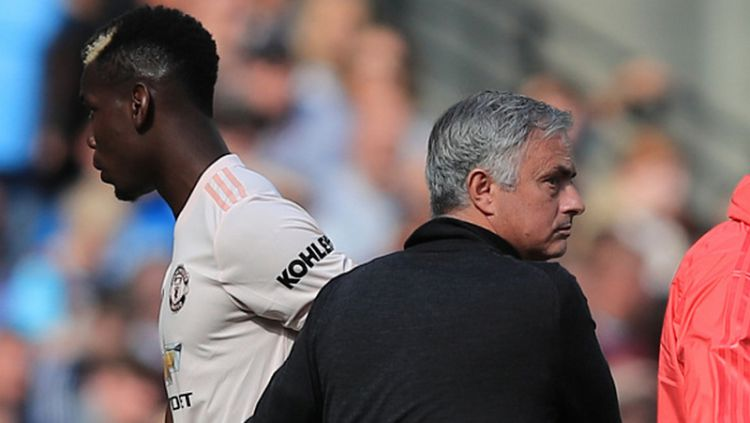 Paul Pogba dan Jose Mourinho pernah bersitegang di Manchester United. Copyright: © Getty Images