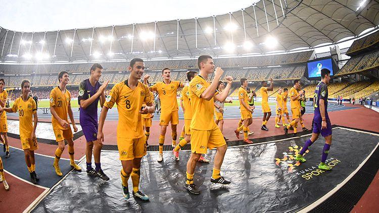 Para pemain Australia U-16 merayakan keberhasilan lolos ke semifinal Piala Asia U-16 2018. Copyright: © AFC