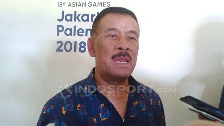 Manajer Persib, Umuh Muchtar saat ditemui di Stafion Si Jalah Harupat, Kabupaten Bandung, Rabu (03/10/2018). Copyright: © Arif Rahman/INDOSPORT