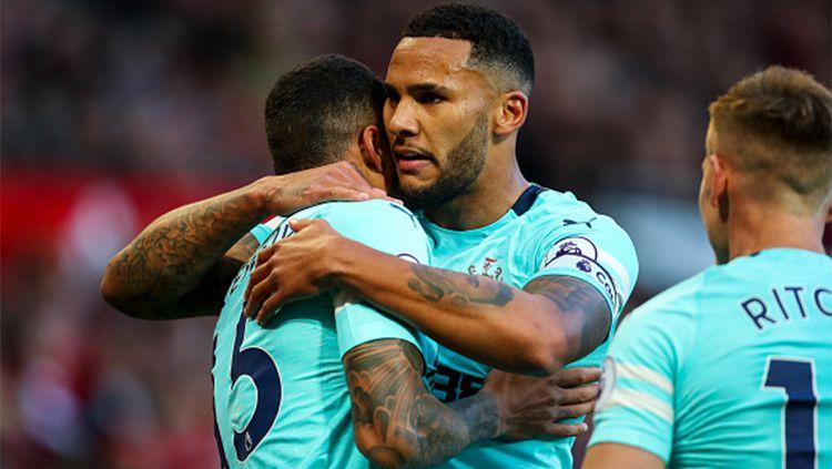 Laga Liga Inggris antara Aston Villa vs Newcastle United yang sedianya digelar akhir pekan ini resmi ditunda setelah merebaknya kasus Covid-19 di kubu The Magpies. Copyright: © getty images
