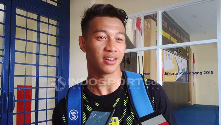 Mantan bek Persib, Moch Al Amin Syukur Fisabillah saat ditemui di Stadion Si Jalak Harupat, Kabupaten Bandung. Copyright: © Arif Rahman/INDOSPORT
