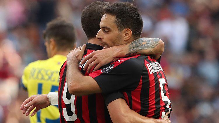 AS Roma dikabarkan siap merekrut Giacomo Bonaventura (kanan) dari AC Milan secara gratis. Copyright: © Getty Images