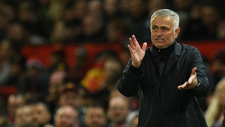 Jose Mourinho mengungkap pandangannya soal trio Lacazette, Aubameyang, dan Pepe di lini depan Arsenal. Copyright: © AFP