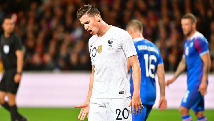 Menurut laporan Calciomercato, tim yang mendapatkan julukan Rossoneri tersebut telah mengincar sosok winger Marseille, Florian Thauvin. Copyright: © Getty Images