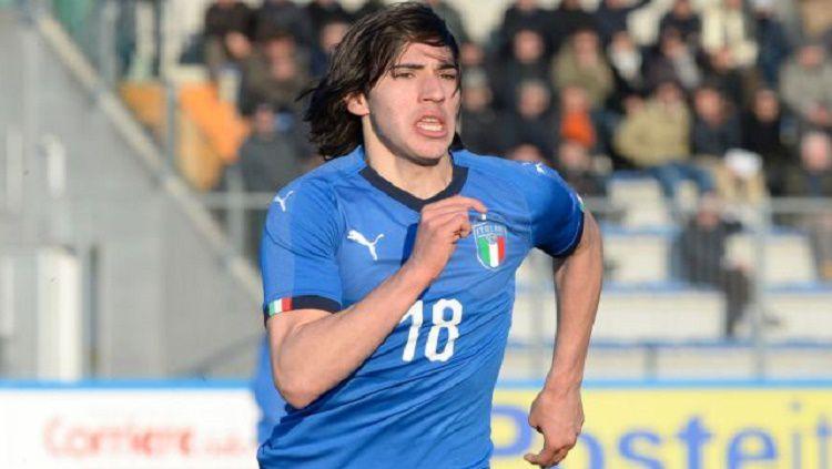 Tonali disebut sebagai titisan Andrea Pirlo dan membuatnya menjadi incaran beberapa klub Eropa Copyright: © Metro