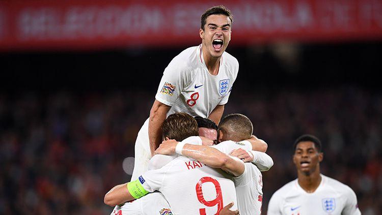 Selebrasi para pemain Inggris yang memenangkan laga atas Spanyol di UEFA Nations League. Copyright: © Getty Images