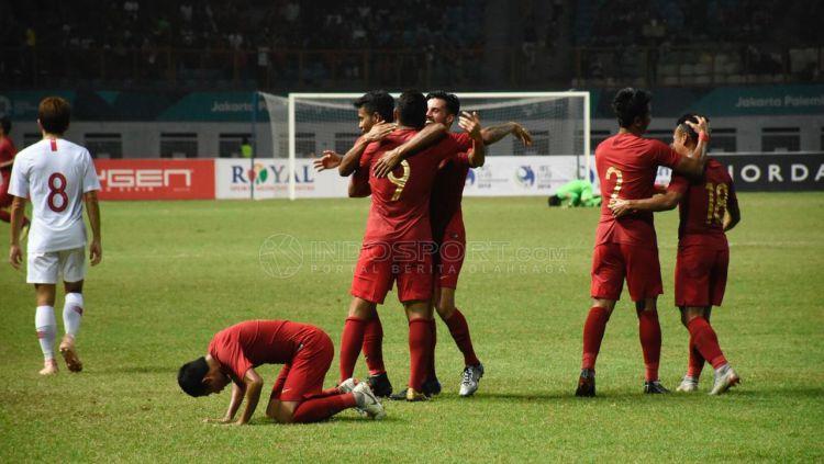 Jalannya pertandingan Timnas Indonesia vs Hong Kong. Copyright: © Herry Ibrahim/Indosport.com