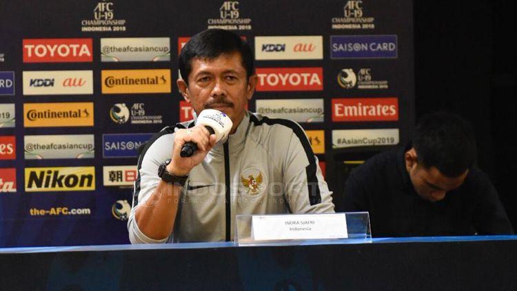 Indra Sjafri pelatih Timnas Indonesia. Copyright: © Herry Ibrahim/INDOSPORT