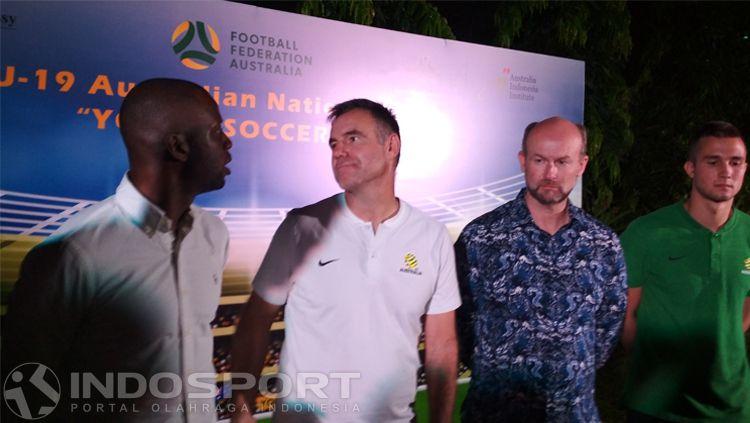 Ante Milicic (dua dari kiri) dalam acara di Kedubes Australia Copyright: © Bagas Rahadian/INDOSPORT