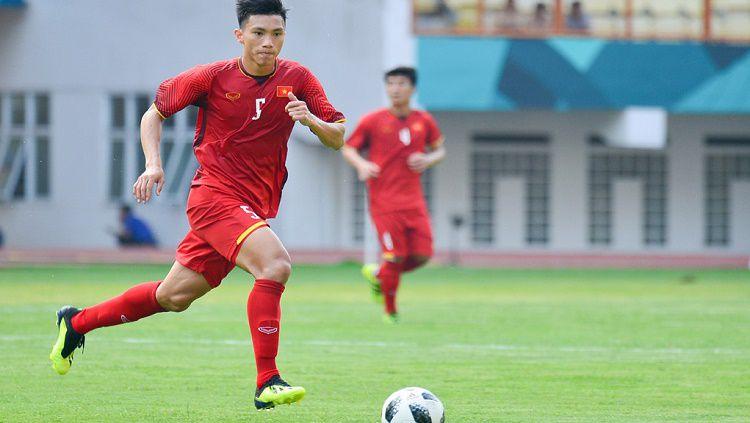 Setelah mencederai gelandang Timnas Indonesia U-23, Evan Dimas, di final SEA Games 2019, Bek Vietnam, Doan Van Hau, diberikan bonus tambahan. Copyright: © Zing.vn