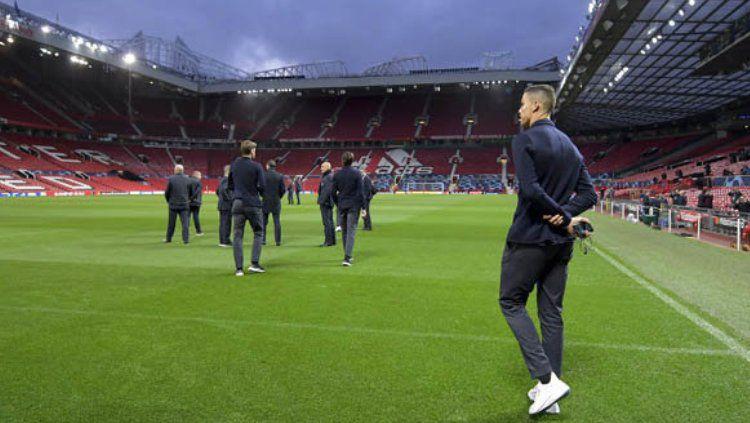 Cristiano Ronaldo  dan pemain Juventus lainnya berada di Old Trafford Jelang Pertandingan Melawan Manchester United Copyright: © Daily Star