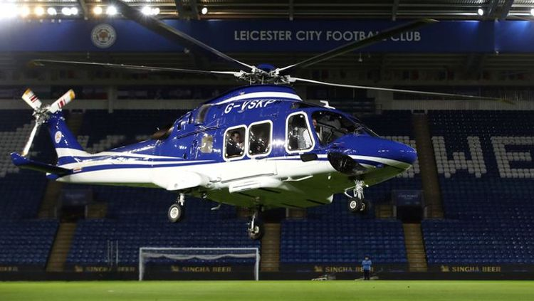 Helikopter milik bos Leicester City, Vichai Srivaddhanaprabha. Copyright: © Getty Images