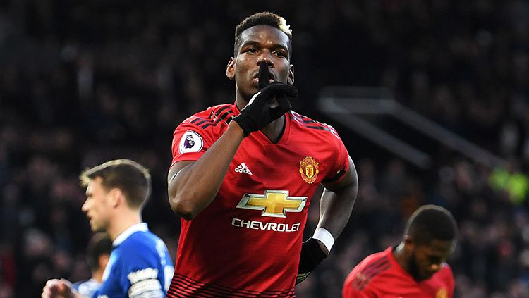 Paul Pogba berselebrasi usai mencetak gol ke gawang Everton Copyright: © Getty Images/Laurence Griffiths