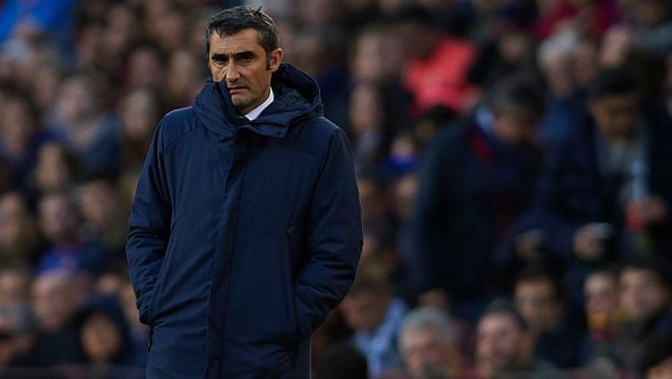 Pelatih Barcelona, Ernesto Valverde, terancam kehilangan peran sebagai pelatih tim menyusul kegagalan di Liga Champions 2018/19. Copyright: © INDOSPORT