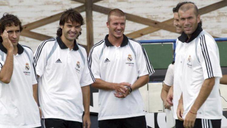 Fernando Morientes (dua kiri) bersama dengan Raul Gonzales, David Beckham, dan Zinedine Zidane. Copyright: © INDOSPORT