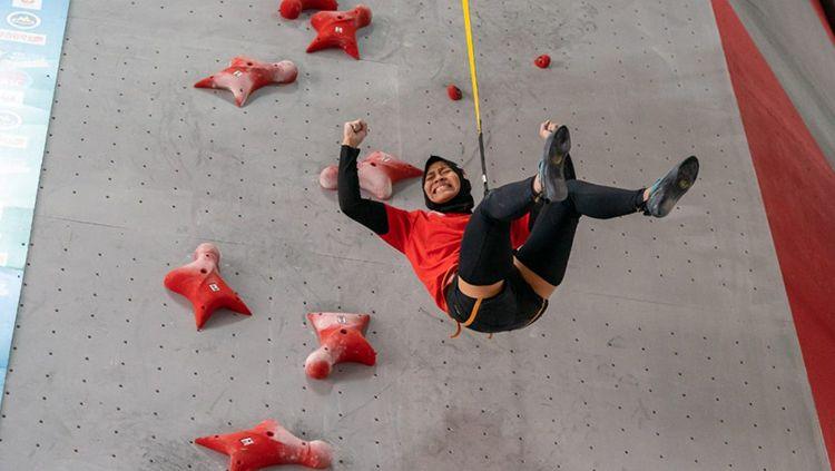 Kehebatan atlet panjat tebing kebanggaan Indonesia, Aries Susanti Rahayu rupanya telah membuat geger media asing ternama. Copyright: © dok IFSC