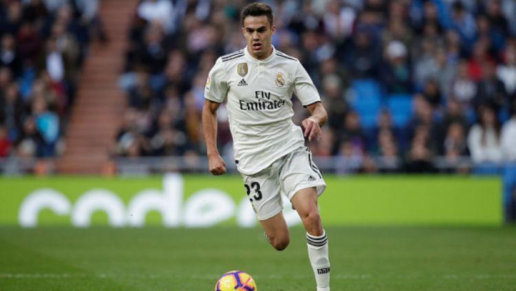 Mahalnya harga Ben Chilwell membuat klub Liga Inggris, Chelsea, beralih memburu bintang muda Real Madrid, Sergio Reguilon, di bursa transfer musim panas ini. Copyright: © Getty Images
