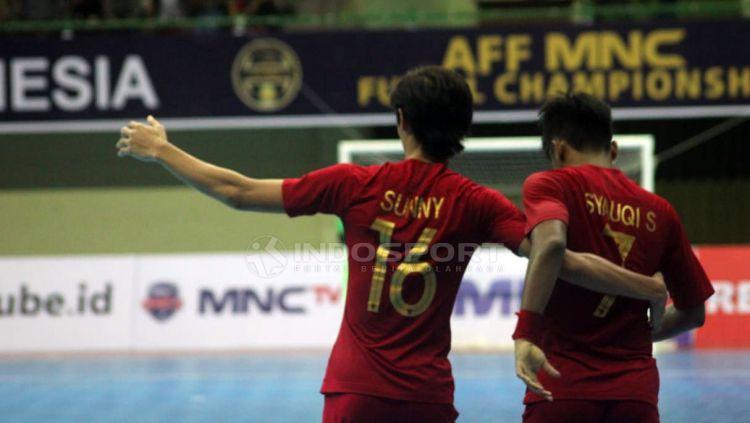 Skuat Timnas Futsal Indonesia tengah berselebrasi. Copyright: © Ronald Seger Prabowo/Indosport.com