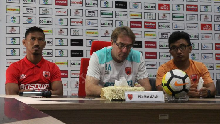 Pelatih PSM Makassar, Robert Rene Alberts. Copyright: © Fitra Herdian/Indosport.com