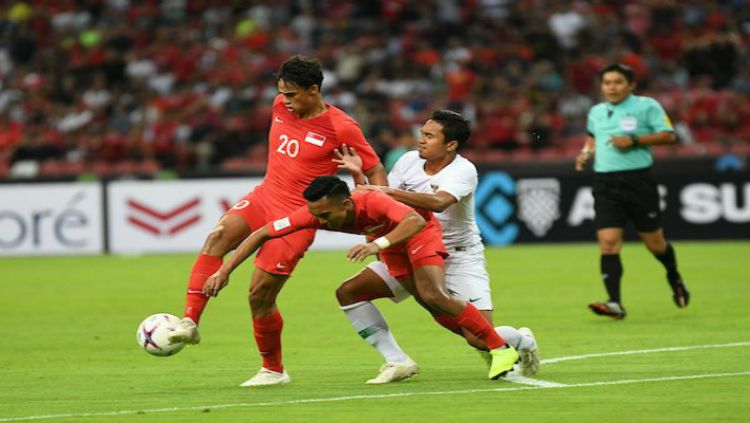 Pertandingan Timnas Singapura vs Indonesia di Laga perdana Piala AFF 2018 Copyright: © Fox