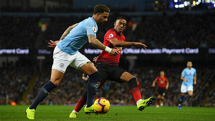 Kyle Walker di laga derby Manchester. Copyright: © Getty Images