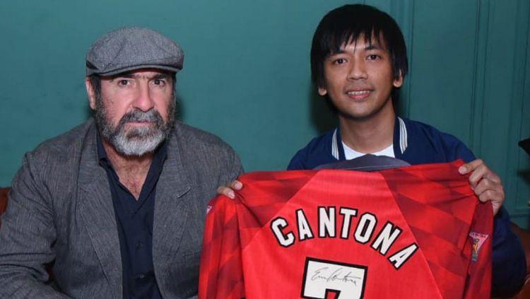 Eric Cantona bersama Rian Ekky D'Masiv di Jakarta. Copyright: © Instagram/Rian Ekky