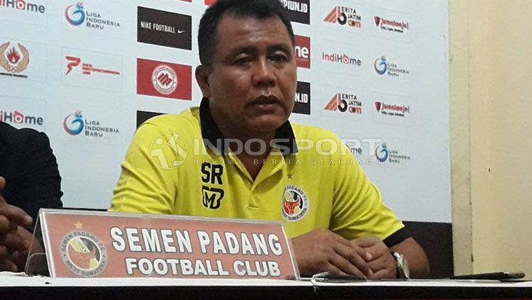 Safriyanto Rusli (Pelatih Semen Padang) Copyright: © Ian Setiawan/INDOSPORT