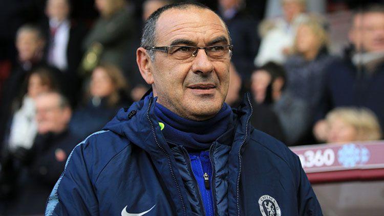 Maurizio Sarri sempat diusir keluar oleh wasit saat laga Chelsea vs Burnley tempo hari. Copyright: © Getty Images