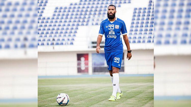 Striker asal Belanda, Sylvano Comvalius, yang dikabarkan semakin dekat dengan Arema FC. Copyright: © Instagram/@sylvanocomvalius