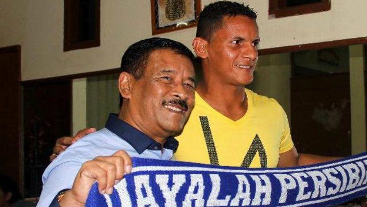 Marcio Souza bersama manajer Persib Bandung, Umuh Muchtar. Copyright: © sidomi
