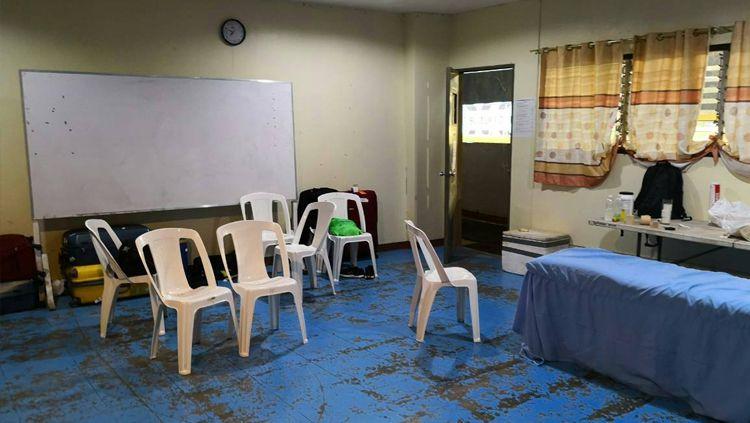 Ruang Ganti di Panaad Park Stadium. Copyright: © Twitter.com/ThaiFootball