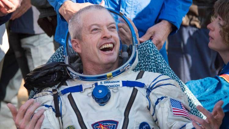 Steve Swanson ketika kembali ke bumi pada tahun 2014. Copyright: © NASA