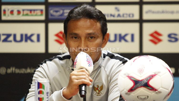 Bima Sakti, pelatih Timnas Indonesia. Copyright: © INDOSPORT